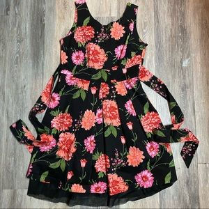 ⭐️3 for $25⭐️ Suzy Shier Floral Print Dress